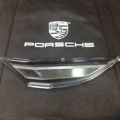 Porsche LED Clear Side Marker, Right